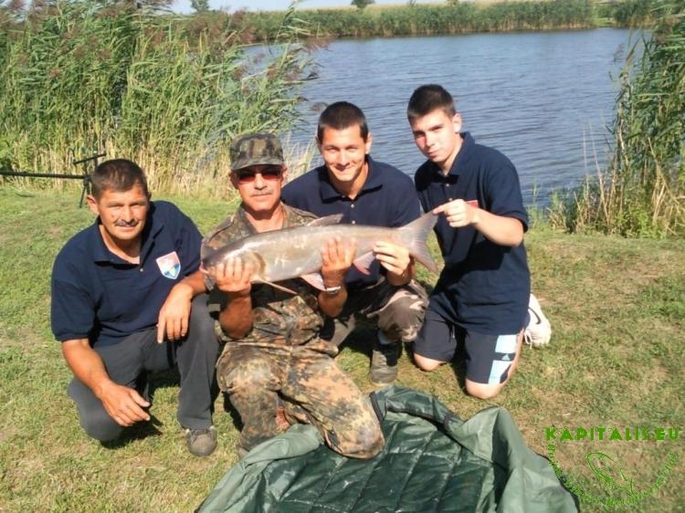 Egy baráti horgászat – Avagy Karcsik a parton! (visszatekintő)