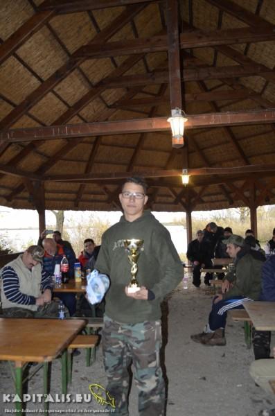 1 helyezett: ifj. Bencze Lajos (167cm-4db)