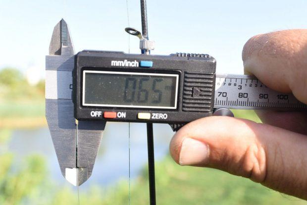 A megkötött csomó is csak 0,65 mm.