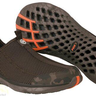 A hálós kialakítás miatt gyorsan szárad és nem izzad bele a láb melegben sem